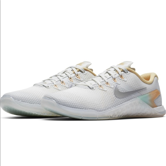 Nike Shoes | Womens Nike Metcon 4 Rise